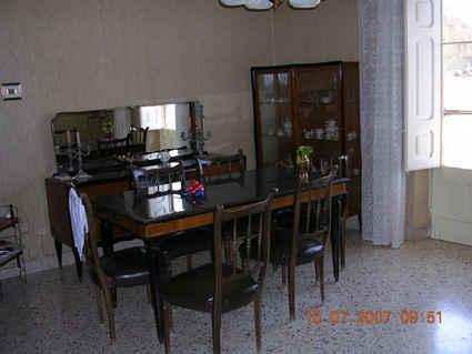 6136023-Dining_room